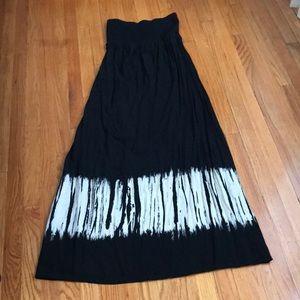Beautiful maternity strapless black sundress